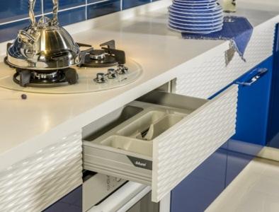 кухня с фасадами ракушка белыми